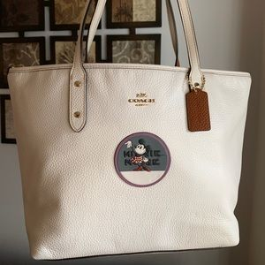 Authentic Coach leather L.Ed Minnie Mouse tote❤️
